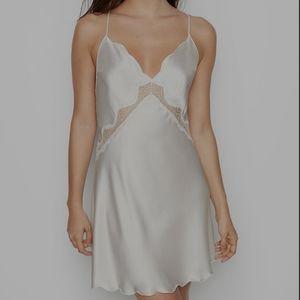 NWT Victoria's Secret Bridal Collection Slip M
